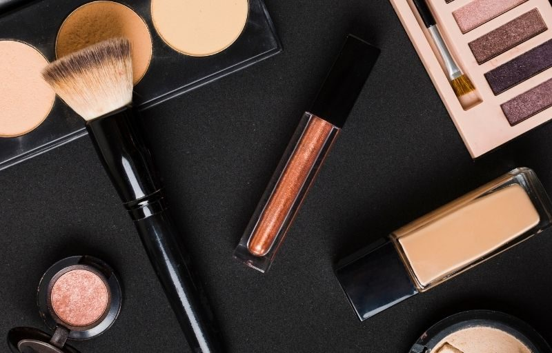 How To Sell Makeup Online Profitably & Grow Successfully
